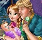 Anna e Kristoff cuidar do filho