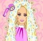 Lavar o cabelo da Barbie