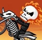 Dirigir moto com caveira