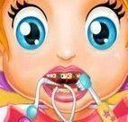 Bebê cuidar dos dentinhos