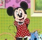 Minnie lavar roupas