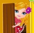 Bebê Barbie decorar casa na árvore