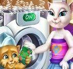 Angela e Ginger lavar roupas