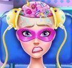 Cirurgia da cabeça Super Barbie