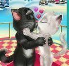 Beijo de namorados Tom e Angela
