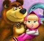Masha e Bear consertar brinquedos