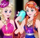 Anna e Elsa na boate