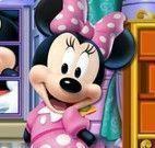 Minnie limpar castelo