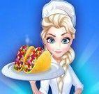 Elsa fazer tacos com salada