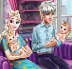 Família Elsa limpar casa