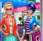 Super Barbie e amigas shopping