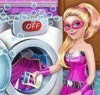 Super Barbie na lavanderia