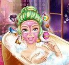 Barbie na banheira do spa