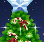 Vestir menina e decorar árvore de natal
