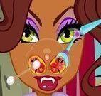 Clawdeen no médico do nariz