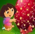 Dora decorar ovo de Páscoa