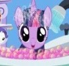 My little Pony na banheira