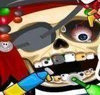 Caveira pirata no dentista