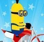 Minion corrida de moto