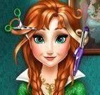 Anna Frozen no cabeleireiro