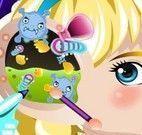 Cuidar do ouvido da bebê Elsa