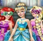 Princesas no baile de máscara
