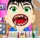Cuidar dos dentes do garoto