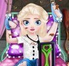 Elsa bebê médico
