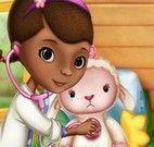 Doutora Brinquedos cuidar da Lambe
